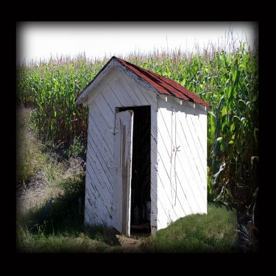 corn-and-well-house